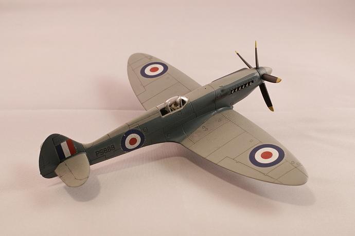 Hangar 006 spitfire PRXIX
