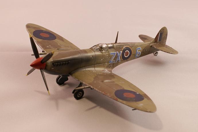 Hangar 011 spitfire mk9