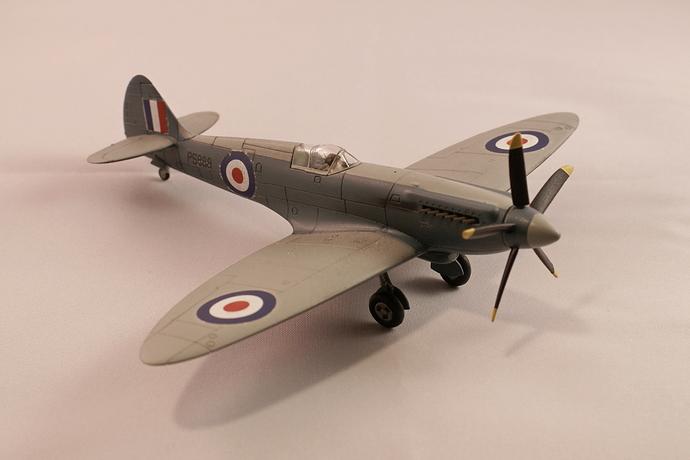 Hangar 005 spitfire PRXIX