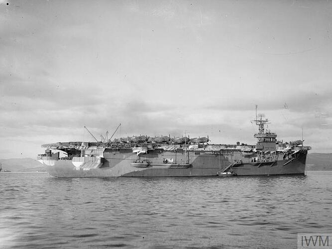 HMS_Emperor_4