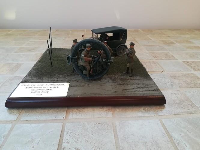 Monocycle & Morris Staff Car (1)
