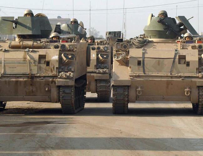 M113_Iraq_1st_Armored_Division