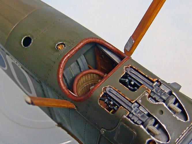 09 Cockpit-04