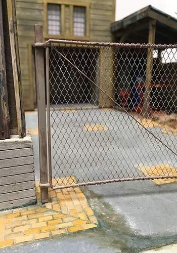 9_left_gate