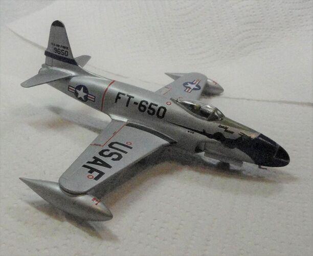 Airfix 1-72 F-80C Port