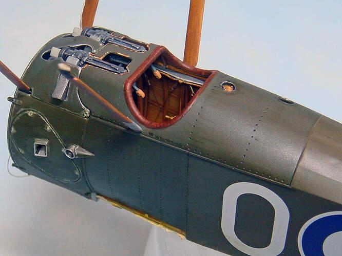 06 Cockpit-01